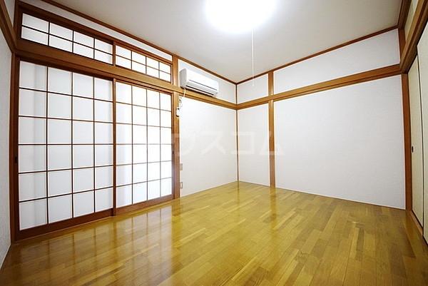 メゾン櫛引 201号室の居室
