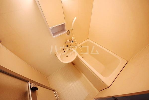メゾン櫛引 201号室の風呂