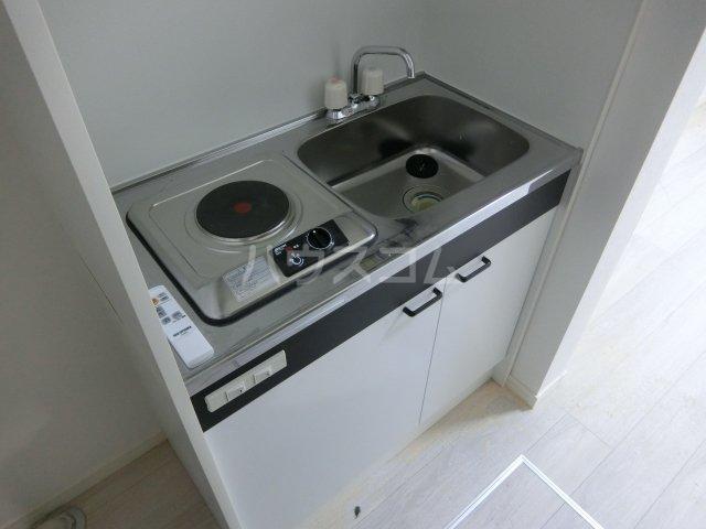 REAL BLOSSOM Ⅱ芝田 205号室のキッチン