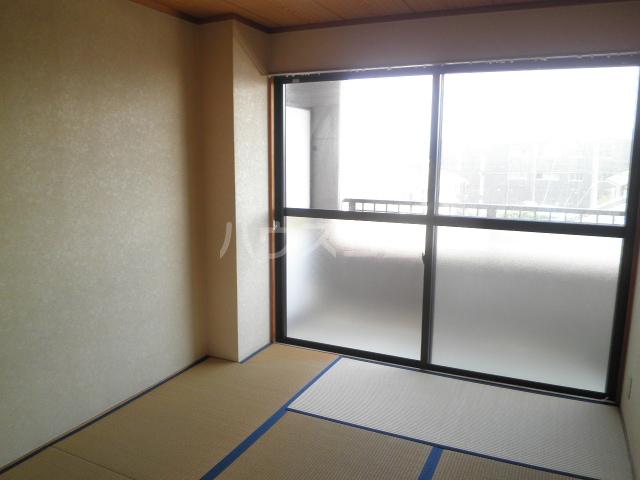 ベレーザ 406号室の居室