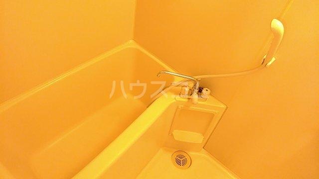 メゾンド・パーシモン 401号室の風呂