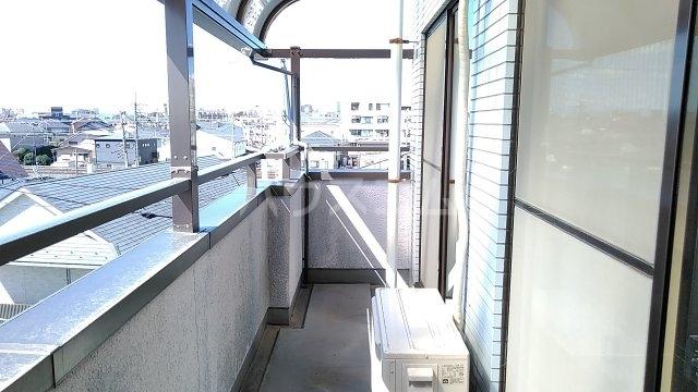 メゾンド・パーシモン 404号室のバルコニー