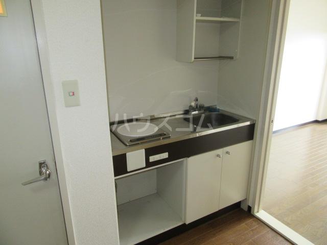 オリオンハイツ 303号室のキッチン