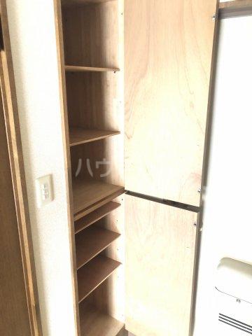Exビル 302号室の収納