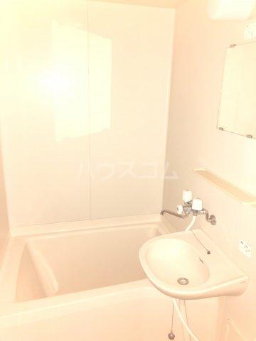 Exビル 302号室の風呂