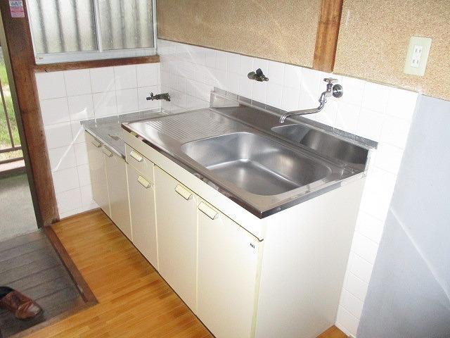 葵荘 203号室のキッチン