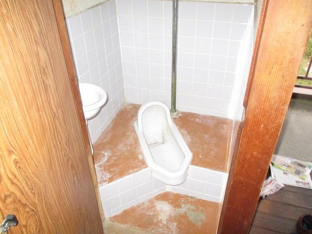 葵荘 203号室のトイレ