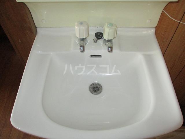 高砂コーポ 2C号室の洗面所