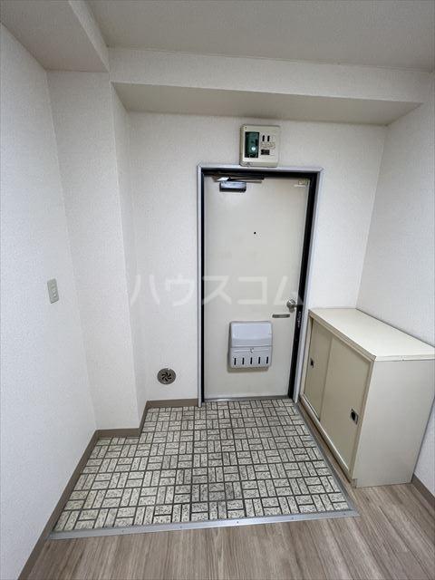 サンピア辻 202号室の玄関