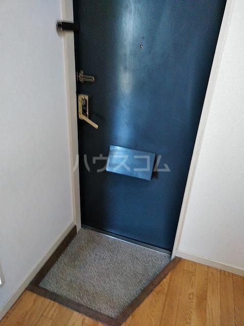 レオパレス植田第3 102号室の玄関
