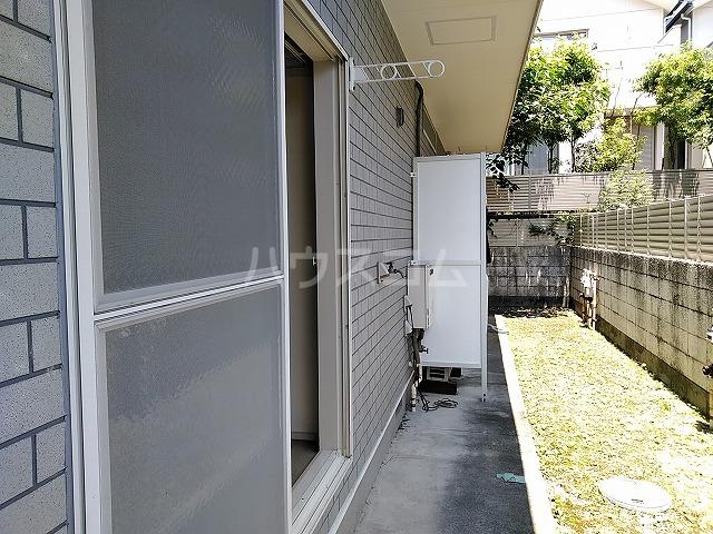レオパレス植田第3 102号室のバルコニー