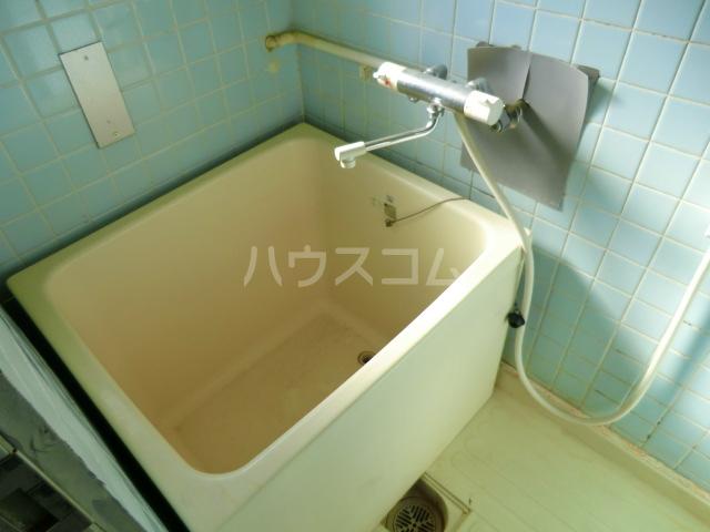 fメゾン堀田 201号室の風呂