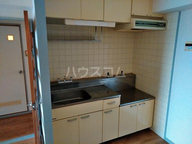 アイカピア植田 105号室のキッチン