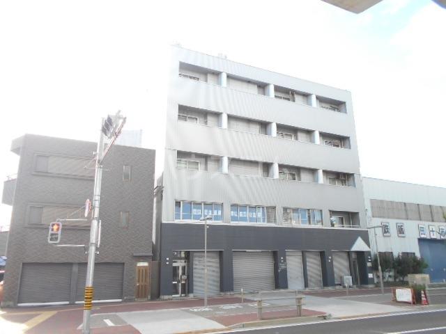 第一中央ビルディング 305号室の外観