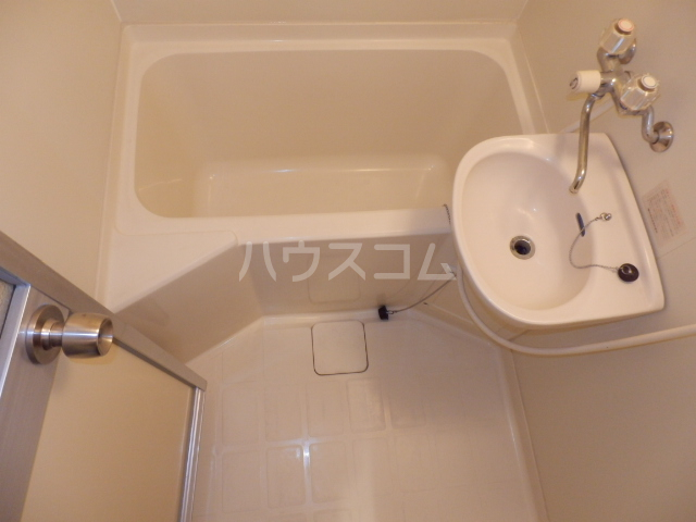コスモハイツ極楽 101号室の風呂