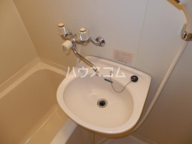 コスモハイツ極楽 101号室の洗面所