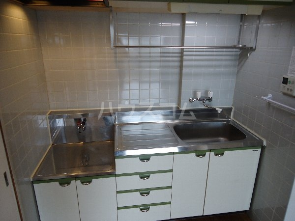 リバーサイド京命 4B号室のキッチン