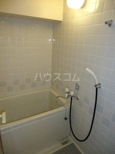 リバーサイド京命 4B号室の風呂