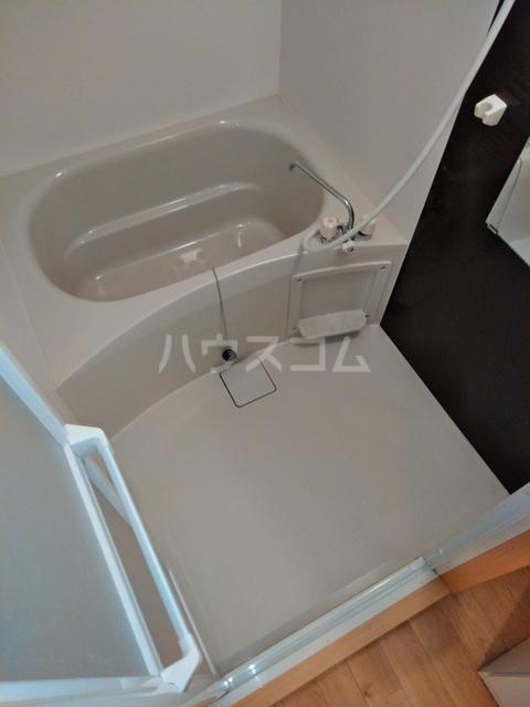 A-city港十一屋 402号室の風呂