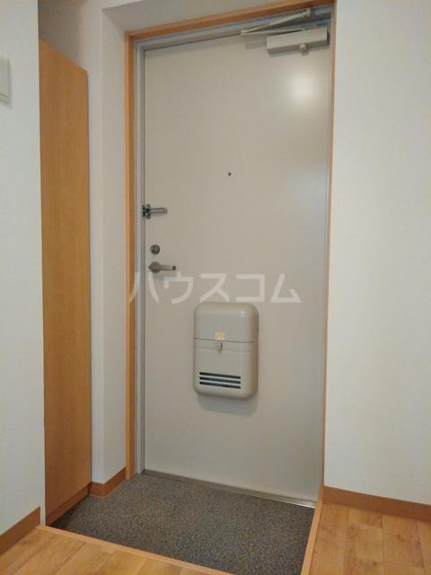 A-city港十一屋 402号室の玄関