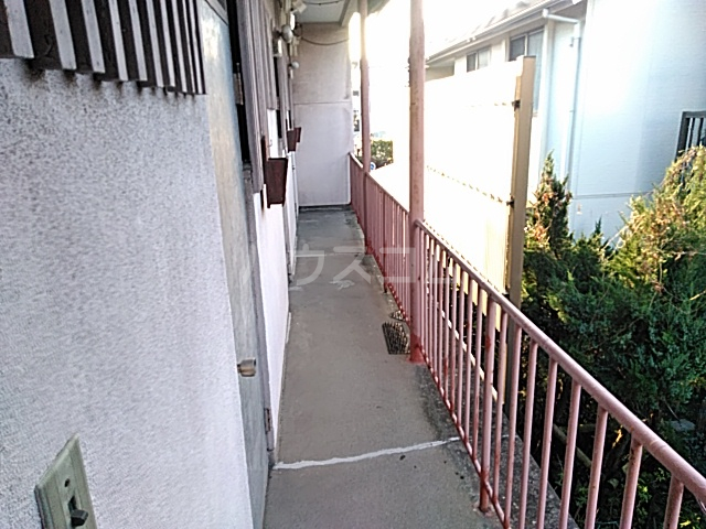 ひかり荘 203号室のバルコニー