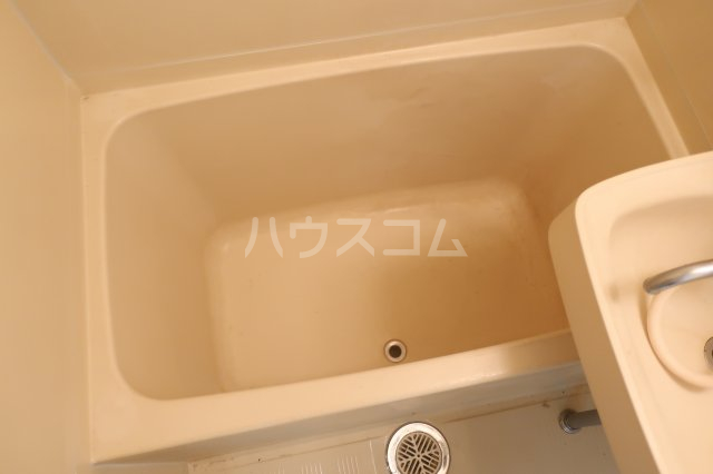 アールシティ・はたの 4B号室の風呂