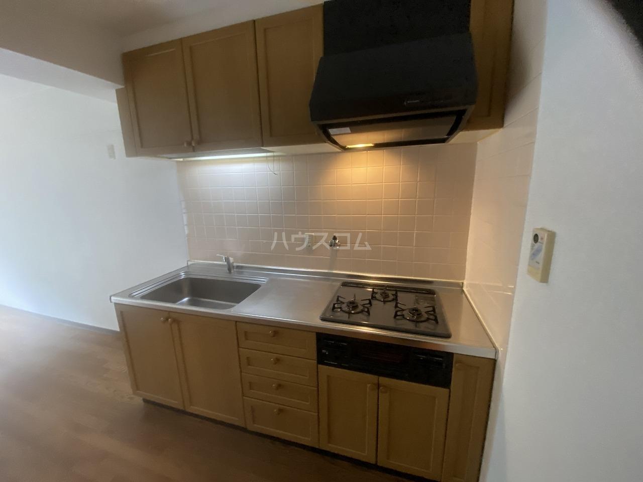 メモリータイム 103号室のキッチン