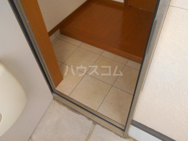 サンエイハイツ 202号室の玄関