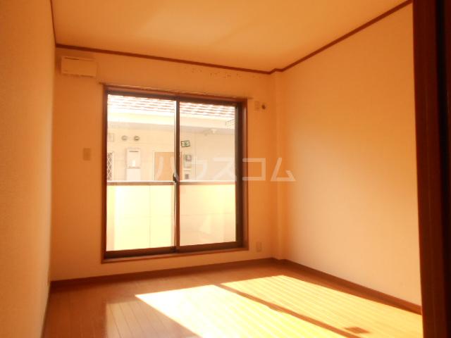 サンエイハイツ 202号室の居室