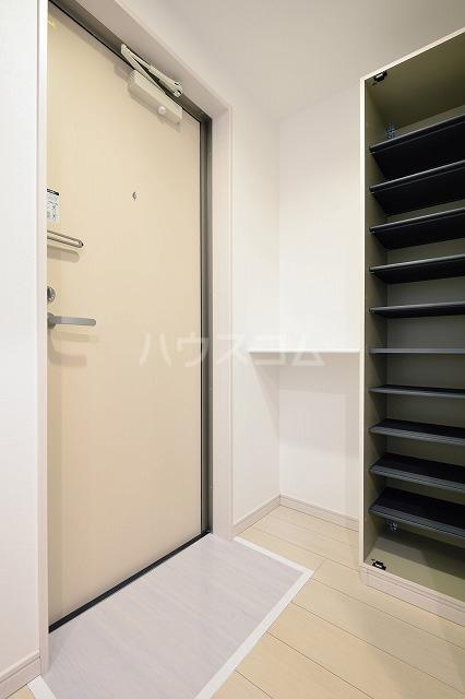 mint 101号室の玄関