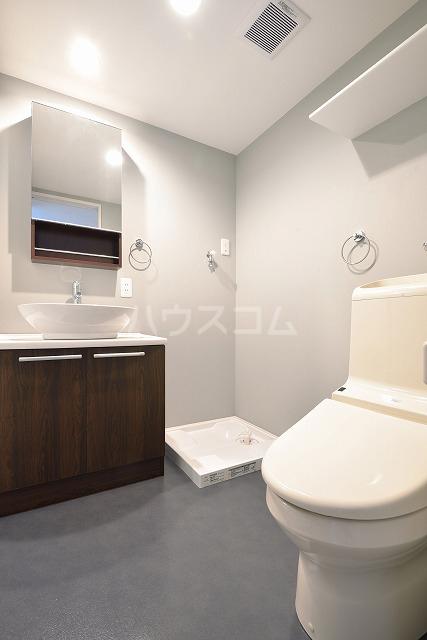 mint 101号室の洗面所