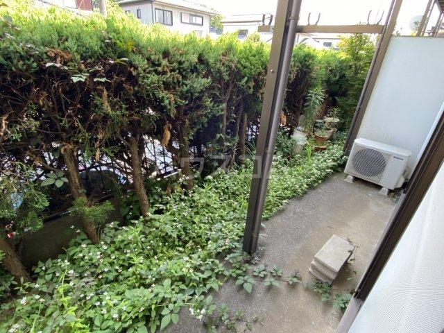 ベルビュー佐倉宮前 102号室の駐車場