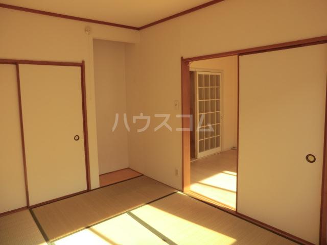 タウンコート志津 202号室の玄関