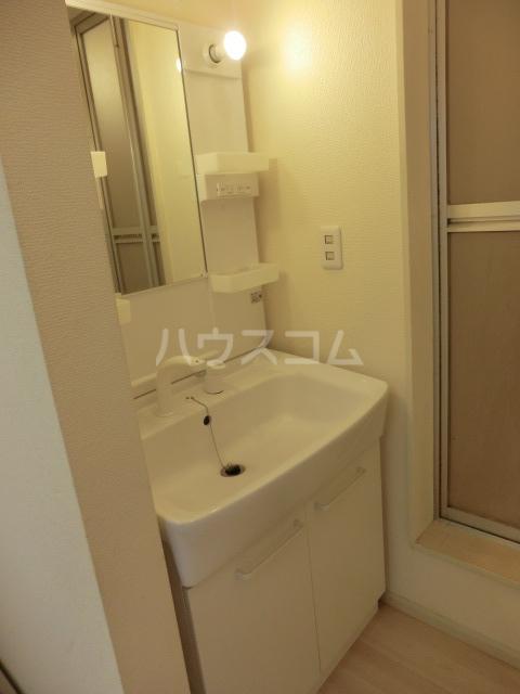 タウンコート志津 202号室の洗面所