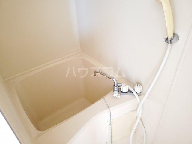 サン・ミッシェル 203号室の風呂