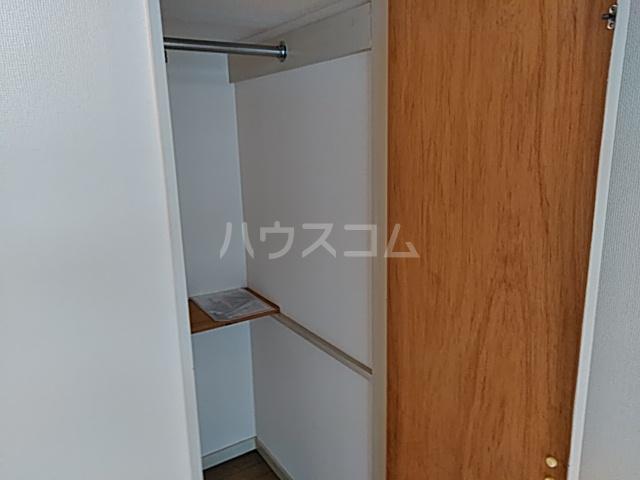 パレス竹越 205号室のベッドルーム