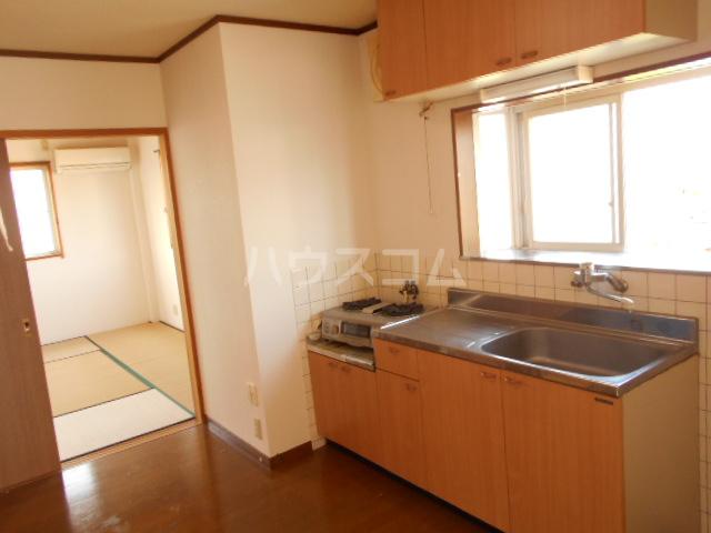 メゾン明日香 202号室のキッチン