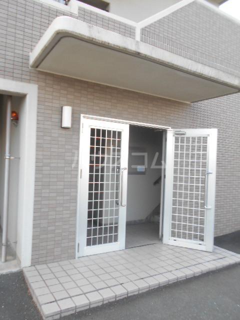 シャトー豊田 103号室のエントランス