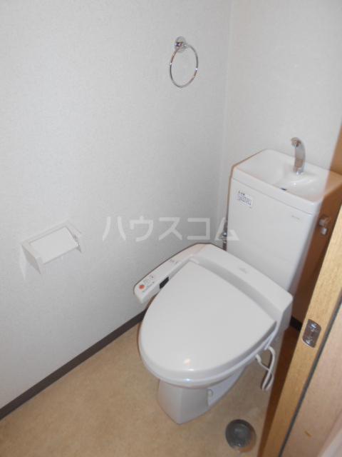 シャトー豊田 103号室のトイレ