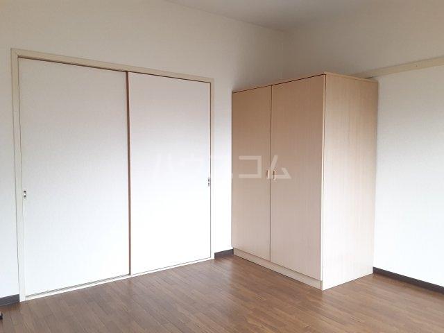 タークマンション 105号室の玄関