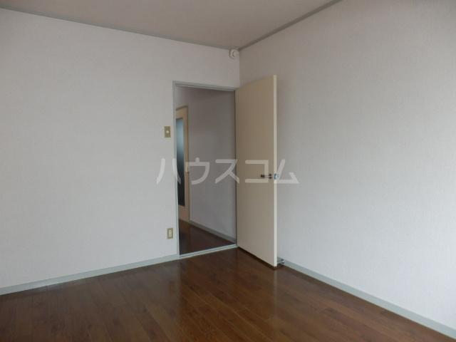 三鈴ハイム 201号室のベッドルーム