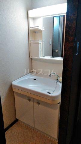 グランドヒルズ泰明町 102号室の洗面所