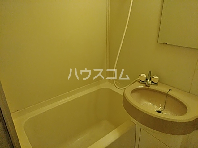サンヒルズ佐鳴台 106号室の風呂