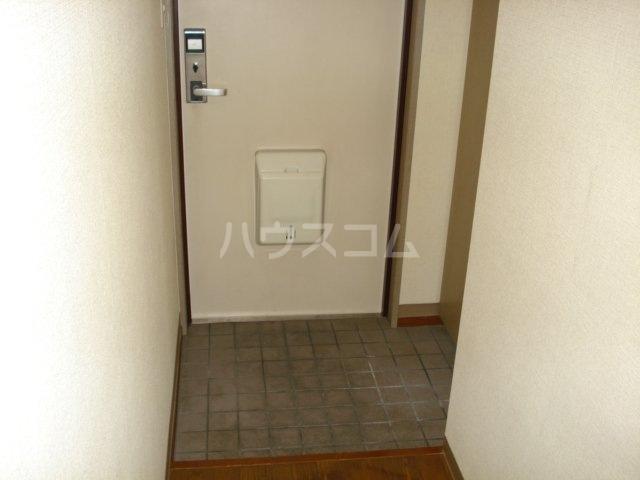 グローヴハイツおゆみ野 203号室の玄関