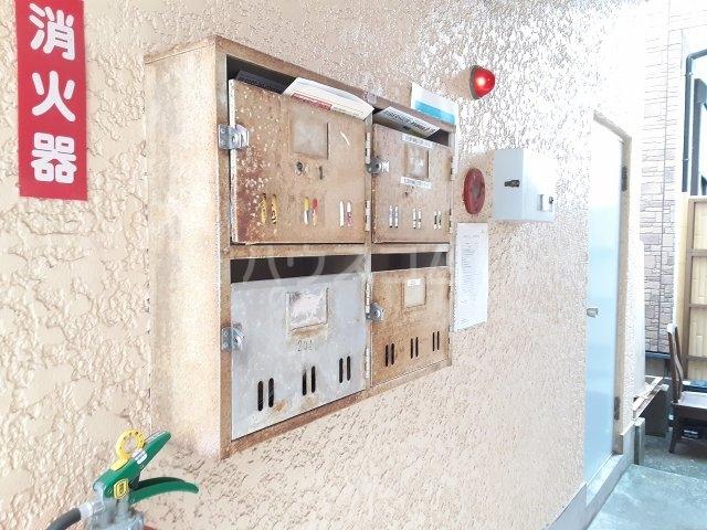 花目マンション 302号室の居室