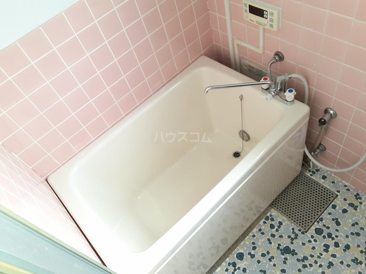 花目マンション 302号室の風呂