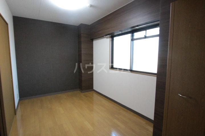 ソルトシティ浜松 608号室のリビング