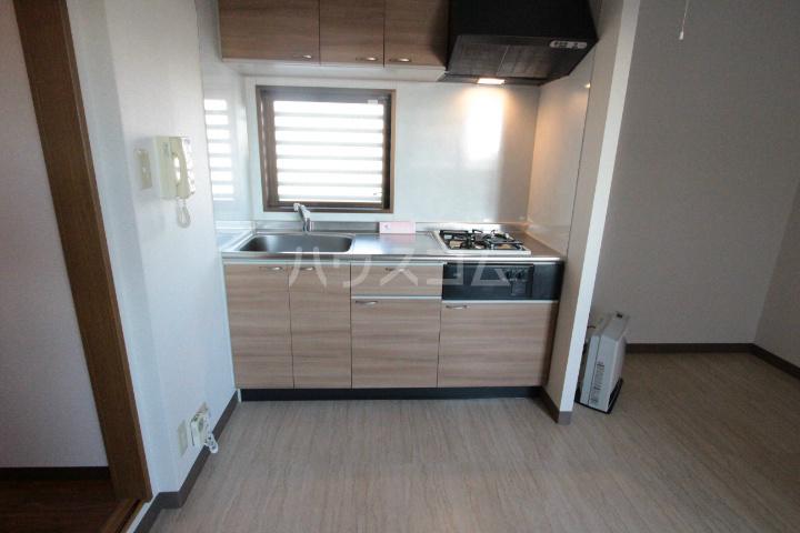 ソルトシティ浜松 608号室のキッチン