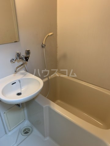 パレスリバーストーン 201号室の風呂