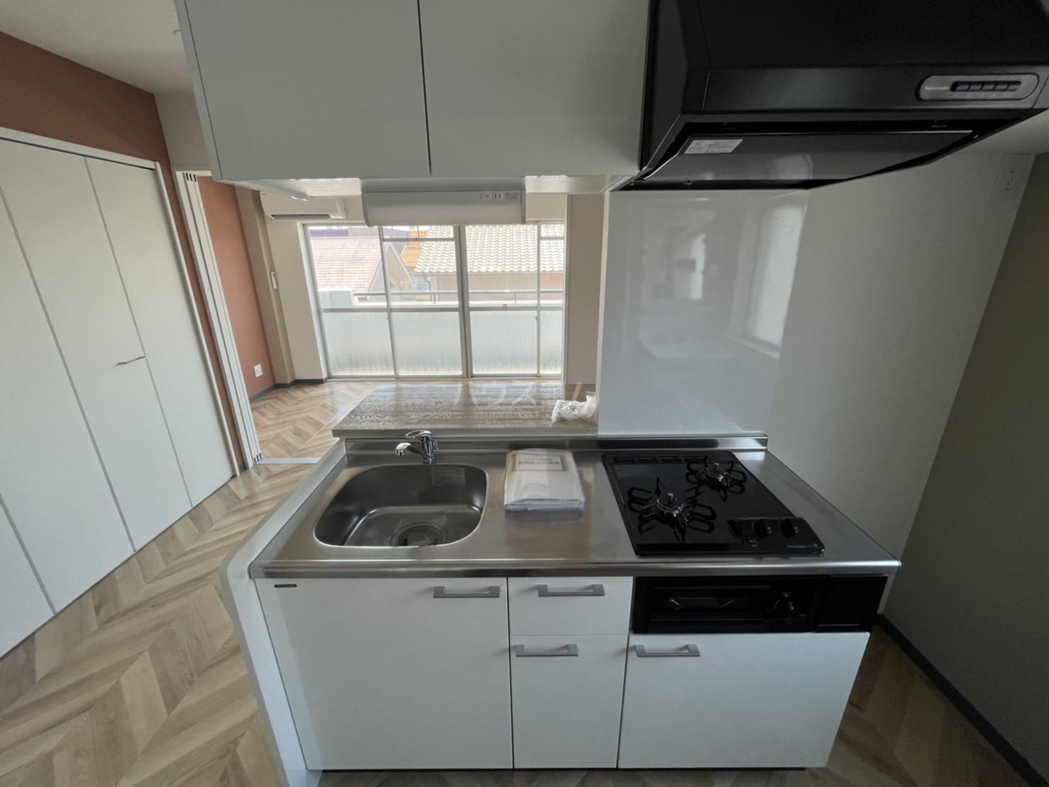 西川ハイツ 301号室のキッチン